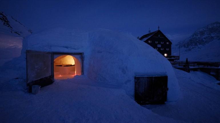 Refuge de glace en Senales