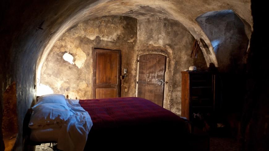 Albergo-Diffuso-Sextantio-Santo-Stefano-di-Sessanio-Abruzzo-stijn-2-870x490
