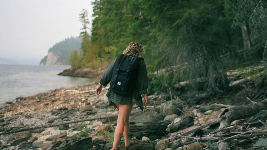 Marcher dans les bois sauve de pensées négatives