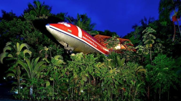 Ici vous dormez dans un avion - hôtels les plus étranges du monde